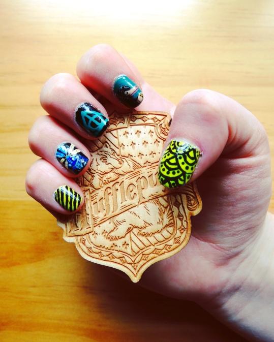 Fantastic Beasts Nails (Right) and Hufflepuff