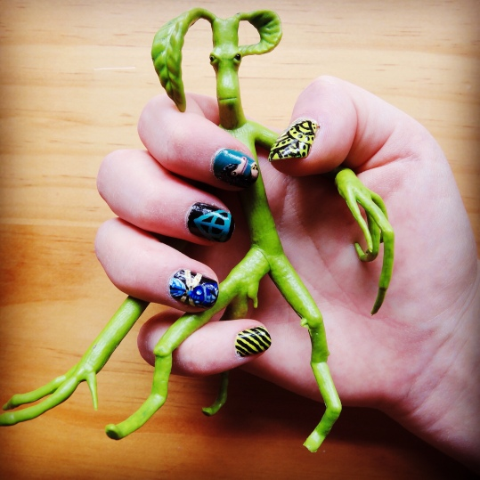 Fantastic Beasts Nails (Right Hand) and Bowtruckle